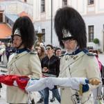 Ranní ceremoniál vztyčování gardových praporů, Slavnosti pětilisté růže 2018, Schwarzenberská granátnická garda, Foto/zdroj: Lubor Mrázek