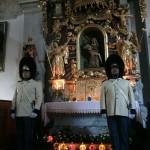 Stráž granátníků u Božího hrobu v klášterním kostele Božího Těla a Panny Marie Bolestné 2019, Schwarzenberská granátnická garda