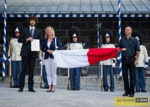 V roce 2016 darovalo město Třeboň granátníkům nový prapor země České,  který převzali z rukou starostky města, Mgr. Terezie Jenisové