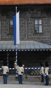 Ceremonie granátníků spojená se vztyčením knížecího praporu na granátnické strážnici, Schwarzenberská granátnická garda