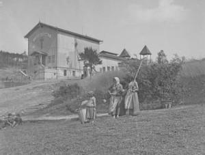 Pašijový dům v Hořicích na Šumavě, vystavěný v letech 1892–1893, zničen komunisty v roce 1959, Josef Seidel, Foto/zdroj: Musem Fotoateliér Seidel